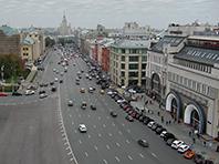 Выделенную полосу разметили на улицах возле Кремля