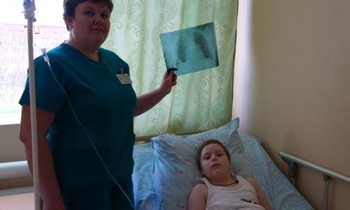 В Свердловской области школьнику извлекли из груди дверную ручку