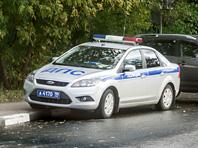 Избитого мужчину выкинули из машины на западе столицы