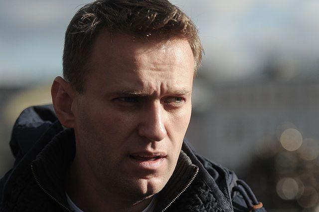 Песков: Кремль не имеет отношения к выдаче загранпаспорта Навальному