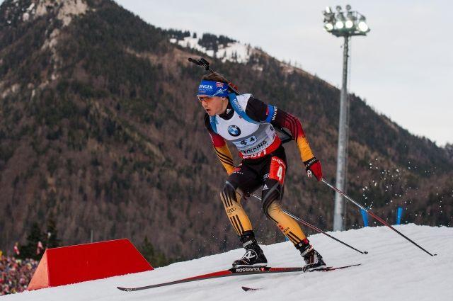 Победителем масс-старта на этапе КМ по биатлону стал немец Симон Шемп