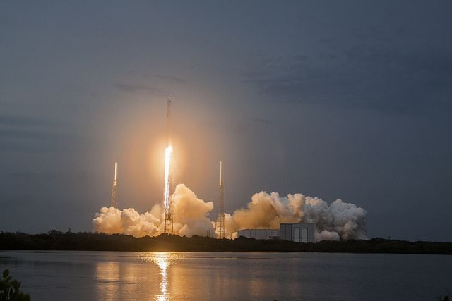 Илон Маск назвал примерную дату испытания сверхтяжелой ракеты