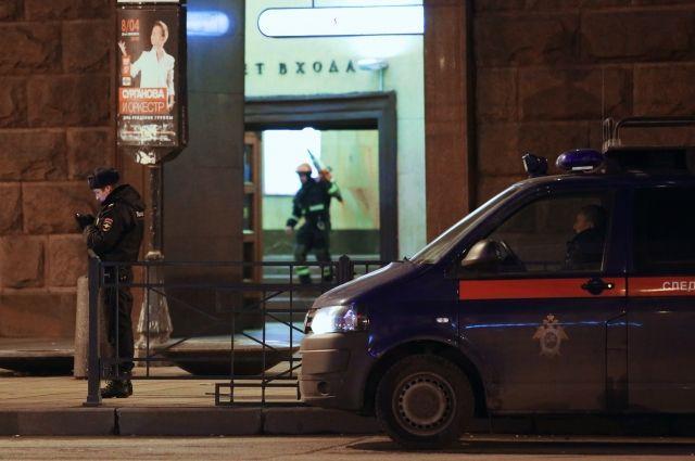 Путин побывал на месте взрыва в петербургском метро