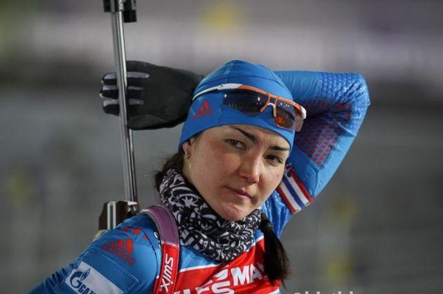 Биатлонистка Акимова завоевала золото в спринте в Чехии