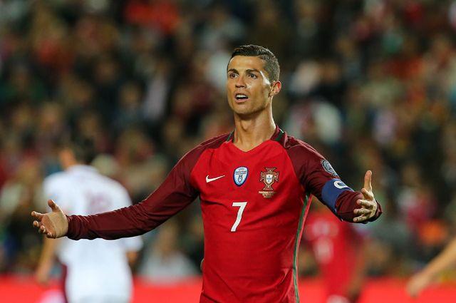 Названы три претендента на звание лучшего футболиста года по версии ФИФА
