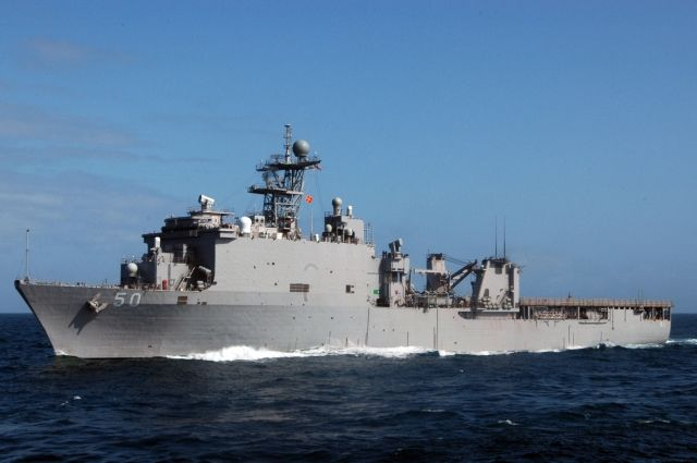 В Черное море вошел американский десантный корабль