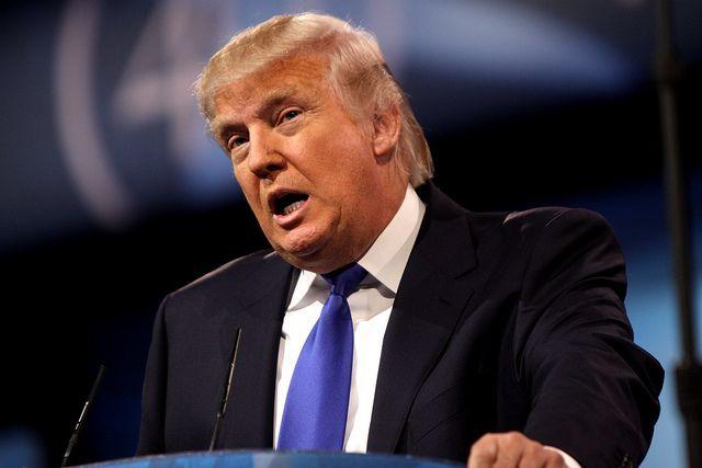 Трамп подписал два указа в сфере торговли
