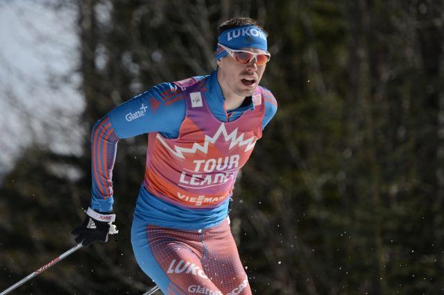 Лыжник Устюгов одержал четвертую победу подряд в гонке на «Тур де Ски»