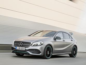 Mercedes вкладе мільярд у розвиток компакт -карів